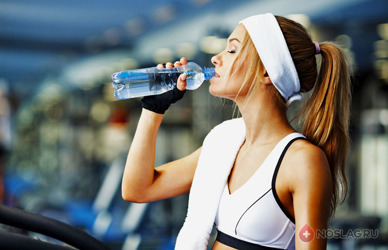 Как быстро вывести жидкость из организма: подбираем продукты
